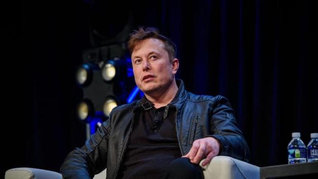 Elon Musk presenta Neuralink, un chip para conectar el cerebro a la pc